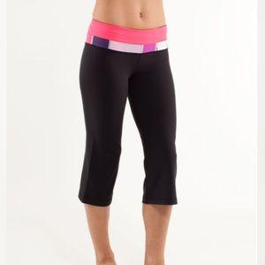 LULULEMON Groove Crop Leggings Pink Black Size 4